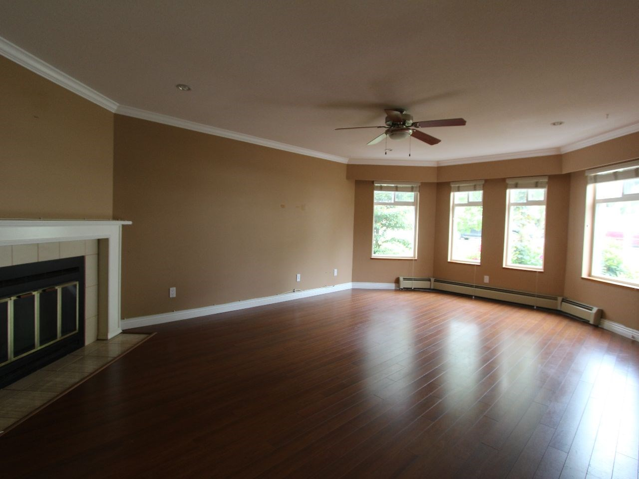 Photo 6: 7926 12TH Avenue in Burnaby: East Burnaby House for sale (Burnaby East)  : MLS® # R2071909