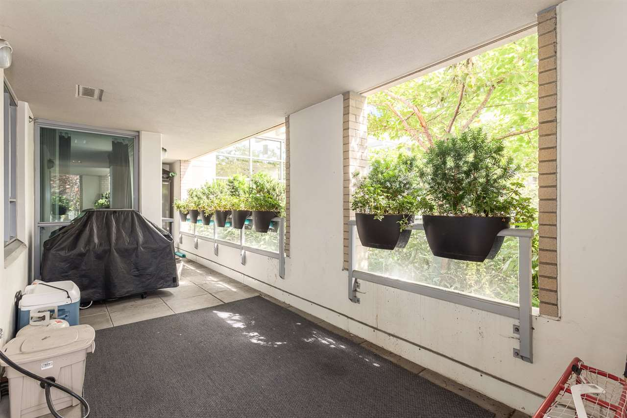 "Photo 16: 111 125 MILROSS Avenue in Vancouver: Mount Pleasant VE Condo for sale in ""CREEKSIDE"" (Vancouver East)  : MLS(r) # R2093930"