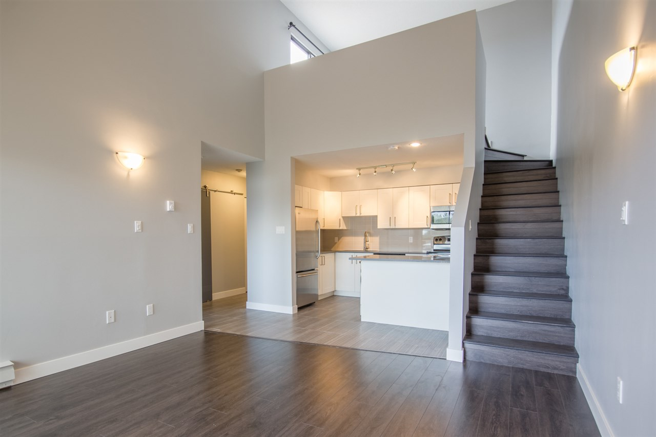 "Main Photo: 202 1202 LONDON Street in New Westminster: West End NW Condo for sale in ""London Place"" : MLS® # R2104119"