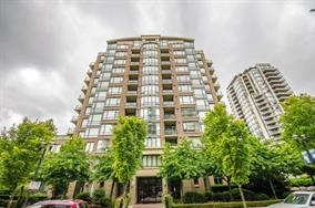 "Main Photo: 904 170 W 1ST Street in North Vancouver: Lower Lonsdale Condo for sale in ""One Park Lane"" : MLS® # R2105359"