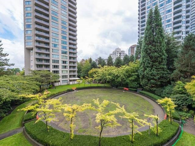 "Photo 7: 302 6070 MCMURRAY Avenue in Burnaby: Forest Glen BS Condo for sale in ""LA MIRAGE"" (Burnaby South)  : MLS® # R2109764"