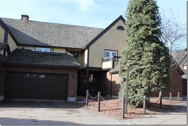 Main Photo: 1616 BEARSPAW Drive W in Edmonton: Zone 16 Townhouse for sale : MLS(r) # E4042923