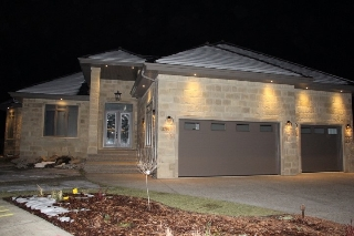 Main Photo: 2796 WHEATON Drive in Edmonton: Zone 56 House for sale : MLS(r) # E4050191