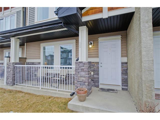 Main Photo: 85 PRESTWICK Villa(s) SE in Calgary: McKenzie Towne House  : MLS(r) # C4098791