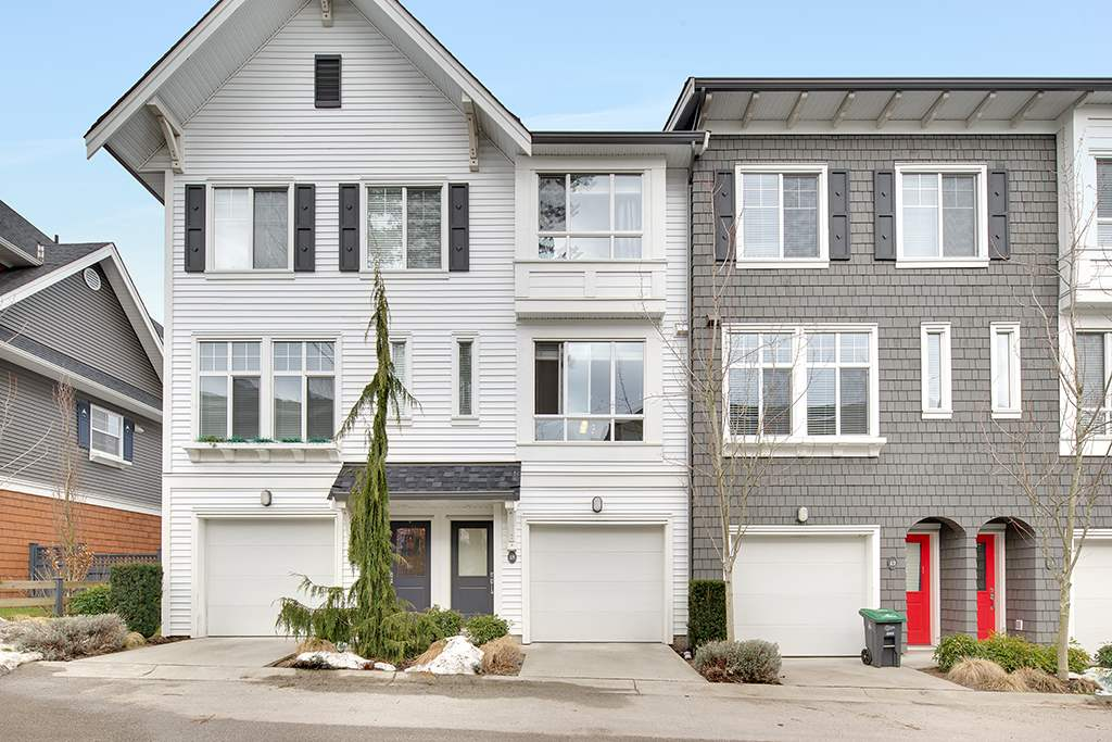 "Main Photo: 48 14955 60 Avenue in Surrey: Sullivan Station Townhouse for sale in ""Cambridge Park"" : MLS® # R2143281"