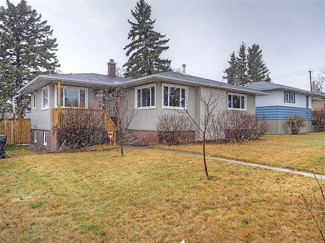 Main Photo: 111 42 Avenue NE in Calgary: Highland Park House for sale : MLS(r) # C4112502