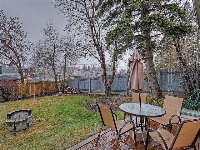 Photo 3: 111 42 Avenue NE in Calgary: Highland Park House for sale : MLS(r) # C4112502