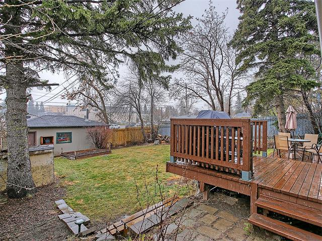 Photo 2: 111 42 Avenue NE in Calgary: Highland Park House for sale : MLS(r) # C4112502
