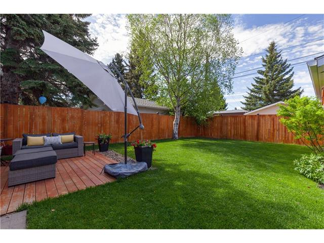 Photo 24: 3207 BEARSPAW Drive NW in Calgary: Brentwood House for sale : MLS® # C4118825