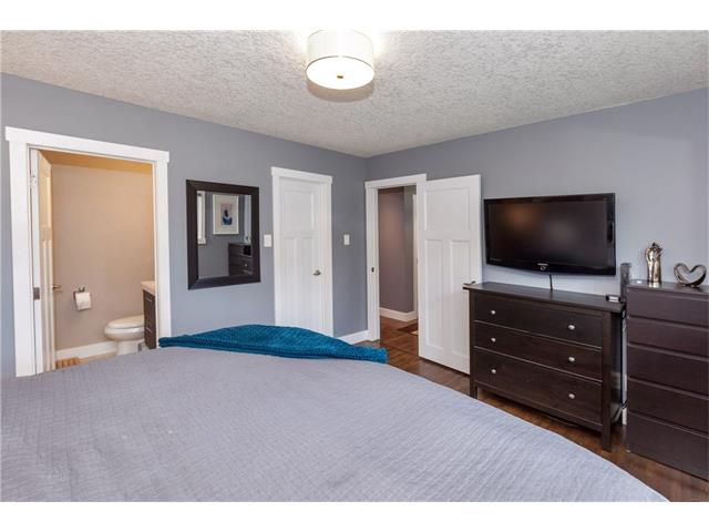 Photo 12: 3207 BEARSPAW Drive NW in Calgary: Brentwood House for sale : MLS® # C4118825