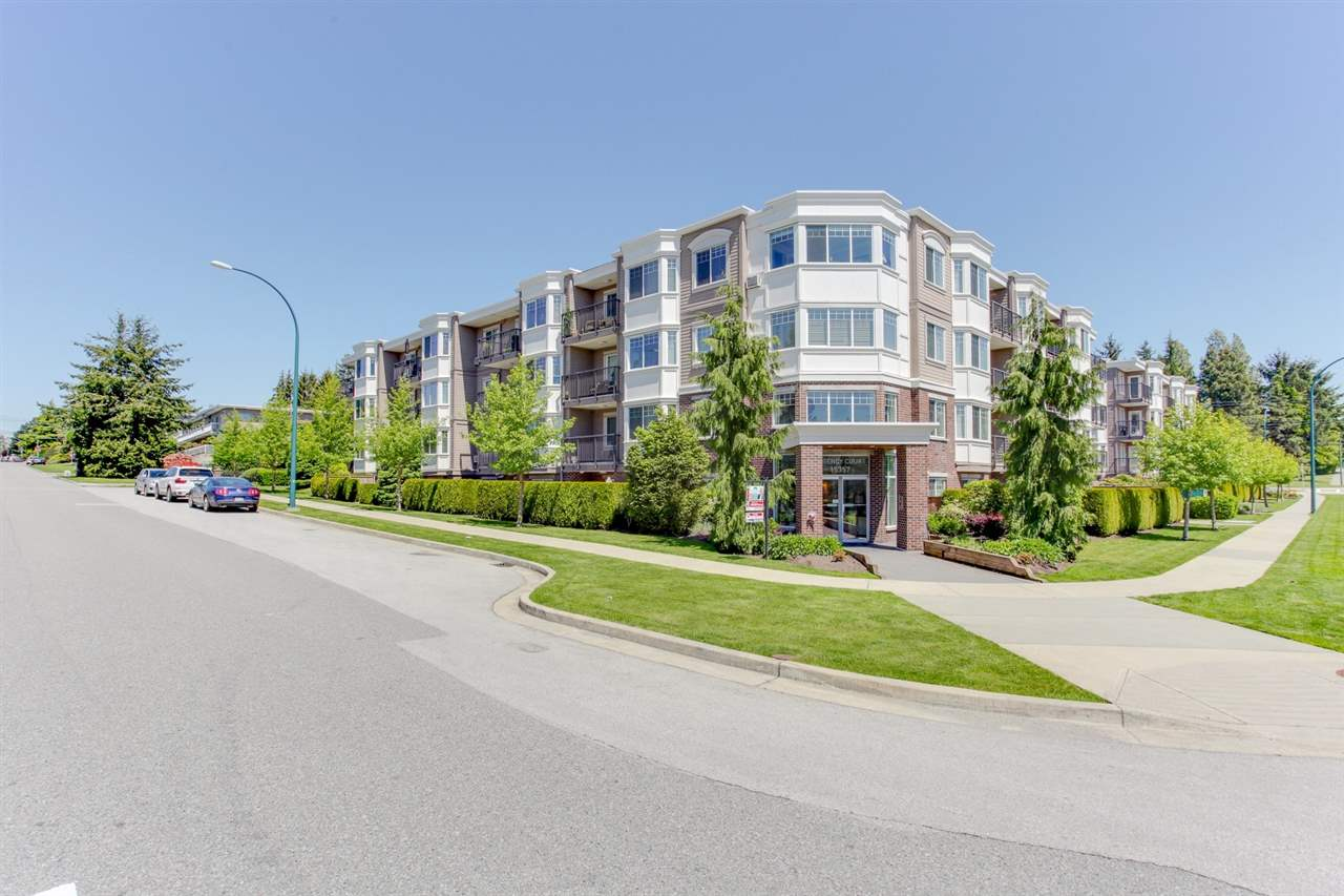 "Main Photo: 304 15357 ROPER Avenue: White Rock Condo for sale in ""REGENCY COURT"" (South Surrey White Rock)  : MLS® # R2171104"