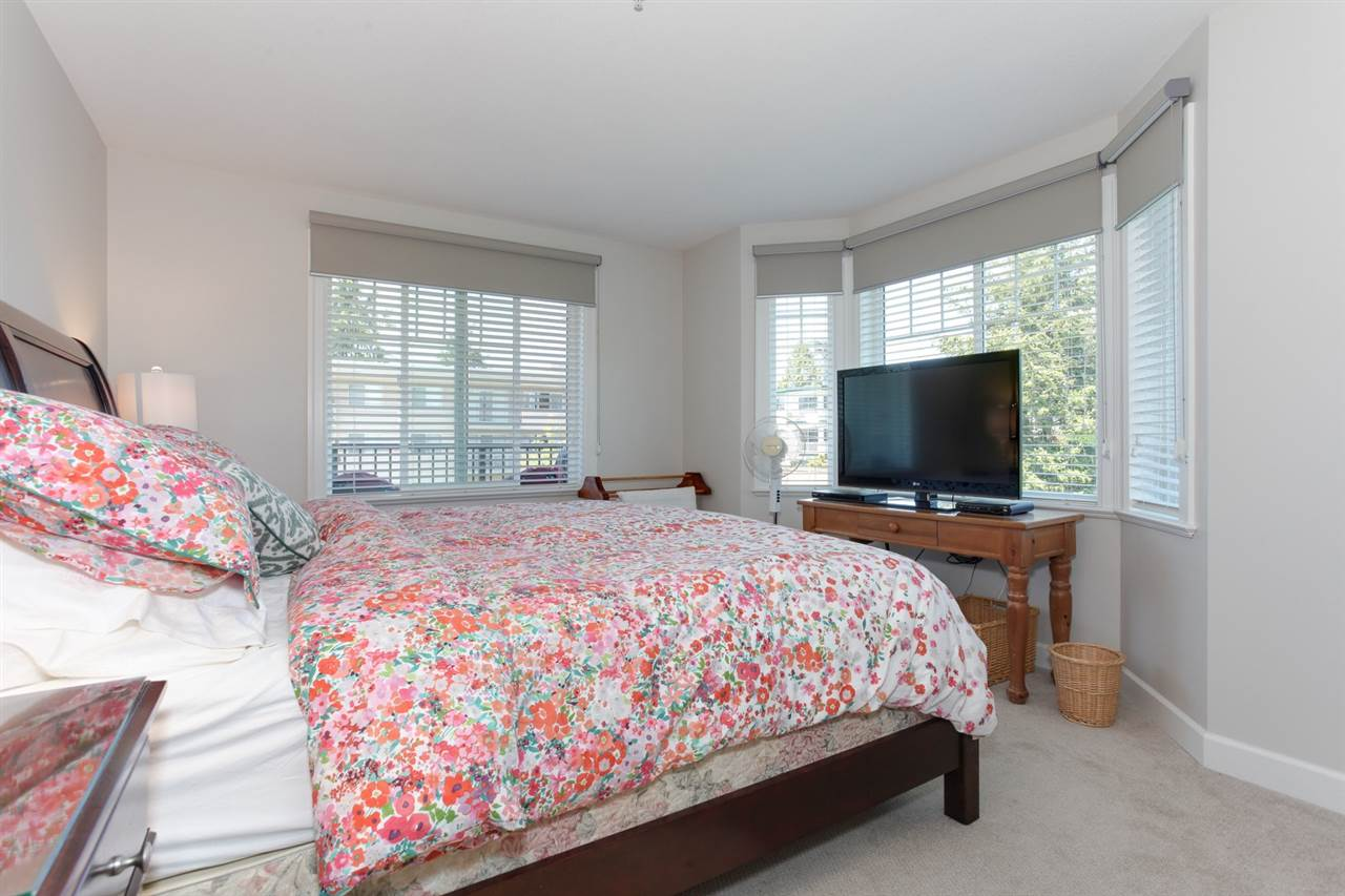 "Photo 10: 304 15357 ROPER Avenue: White Rock Condo for sale in ""REGENCY COURT"" (South Surrey White Rock)  : MLS(r) # R2171104"
