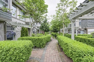 "Main Photo: 55 15353 100 Avenue in Surrey: Guildford Townhouse for sale in ""SOUL OF GUILDFORD"" (North Surrey)  : MLS(r) # R2177610"