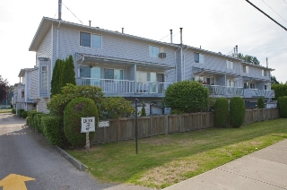 Main Photo: 19 3384 COAST MERIDIAN Road in Port Coquitlam: Lincoln Park PQ Townhouse for sale : MLS(r) # R2184689