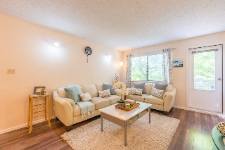 Main Photo: 306 10662 151A Street in Surrey: Guildford Condo for sale (North Surrey)  : MLS(r) # R2186097