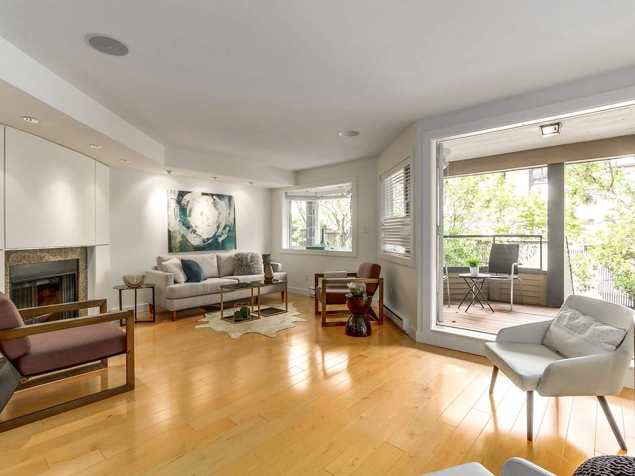 "Photo 6: 2411 W 1ST Avenue in Vancouver: Kitsilano Townhouse for sale in ""Bayside Manor"" (Vancouver West)  : MLS® # R2191405"