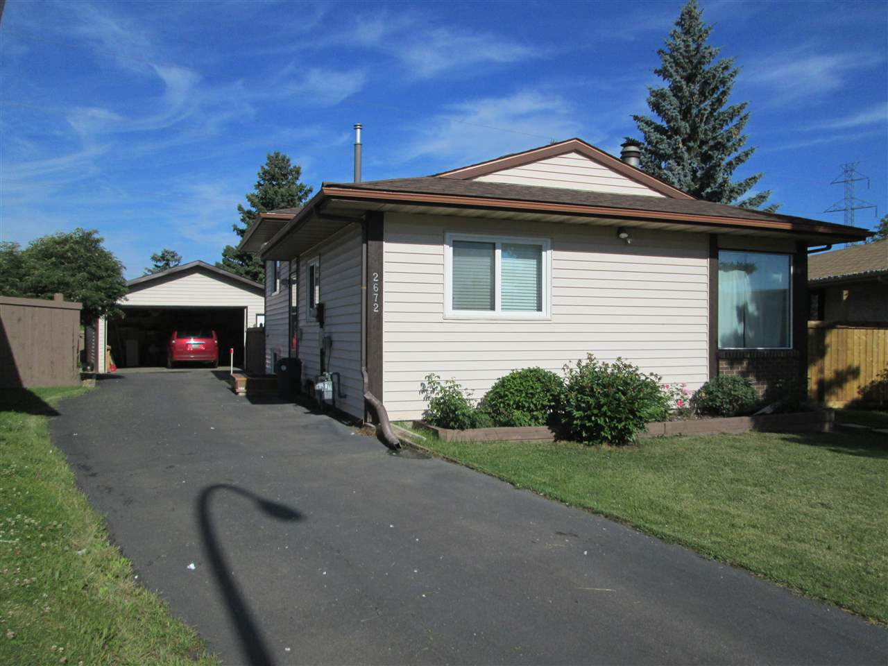 Main Photo: 2672 89 Street in Edmonton: Zone 29 House for sale : MLS® # E4075059