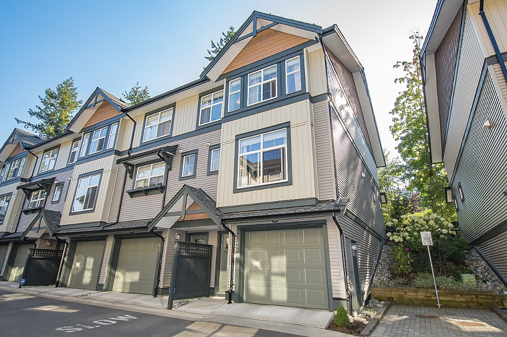 "Main Photo: 42 6123 138 Street in Surrey: Sullivan Station Townhouse for sale in ""PANORAMA WOODS"" : MLS® # R2200861"