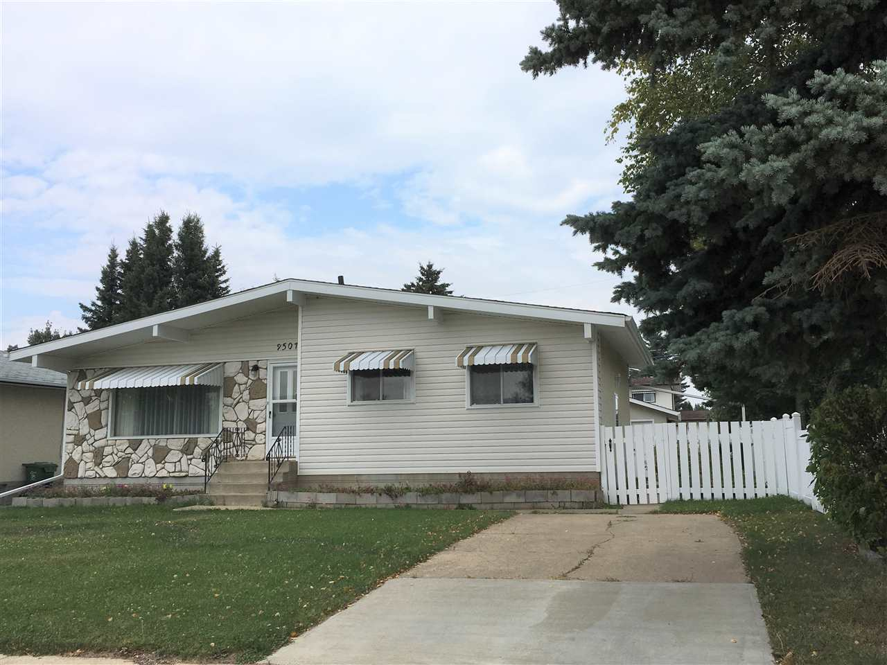 Main Photo: 9507 99 Avenue: Westlock House for sale : MLS® # E4080302