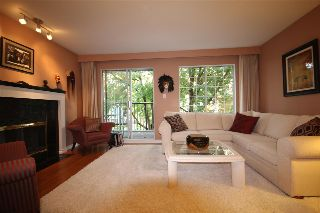 Main Photo: 203 925 W 15TH Avenue in Vancouver: Fairview VW Condo for sale (Vancouver West)  : MLS® # R2214676