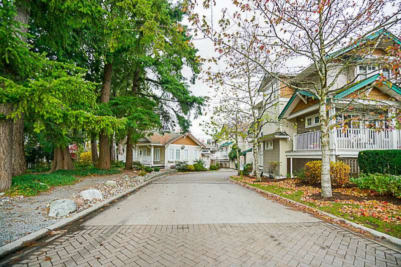 "Main Photo: 96 12711 64 Avenue in Surrey: West Newton Townhouse for sale in ""PALLET ON PARK"" : MLS® # R2221592"