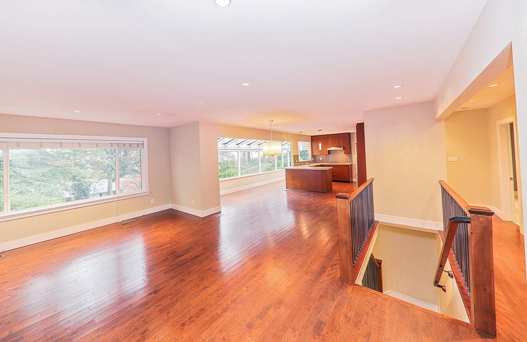Photo 4: Photos: 448 SOMERSET Street in North Vancouver: Upper Lonsdale House for sale : MLS® # R2223198