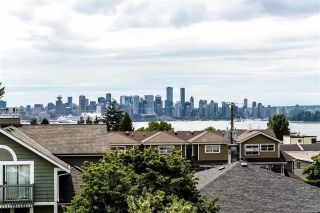 Main Photo: 210 W 5TH Street in North Vancouver: Lower Lonsdale House 1/2 Duplex for sale : MLS® # R2227713