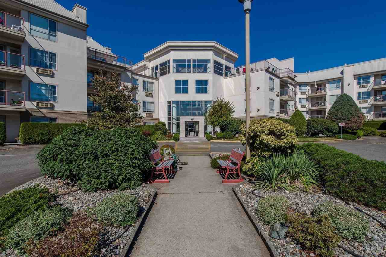 "Main Photo: 220 2626 COUNTESS Street in Abbotsford: Abbotsford West Condo for sale in ""Wedgewood"" : MLS®# R2231848"
