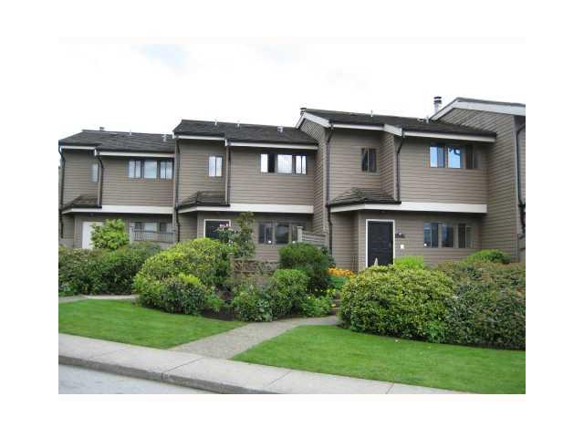 "Main Photo: 4 251 W 14TH Street in North Vancouver: Central Lonsdale Townhouse for sale in ""THE TIMBERS"" : MLS(r) # V877713"