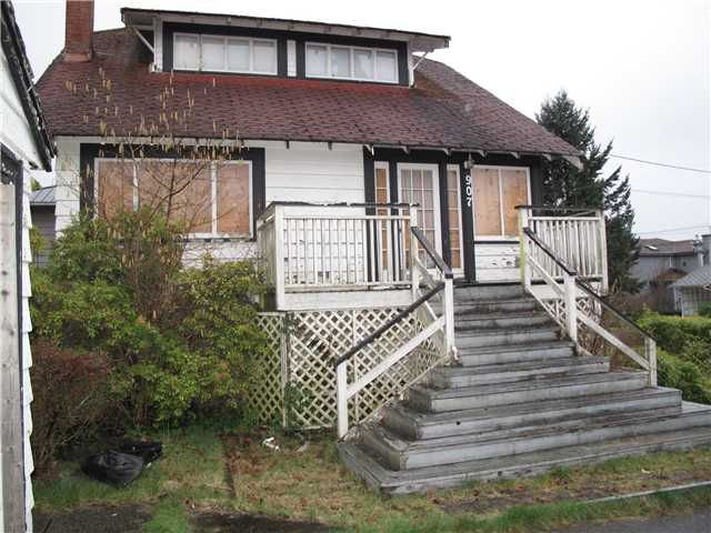 Main Photo: 907 WALLS Avenue in Coquitlam: Maillardville House for sale : MLS® # V995406