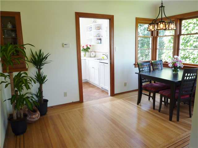 Photo 3: 818 FIFTH Street in New Westminster: GlenBrooke North House for sale : MLS(r) # V1003886