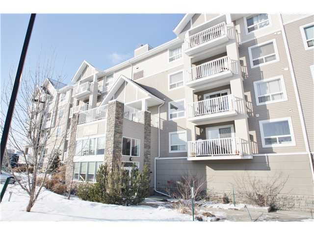 Main Photo: 208 128 CENTRE Avenue: Cochrane Condo for sale : MLS® # C3601750