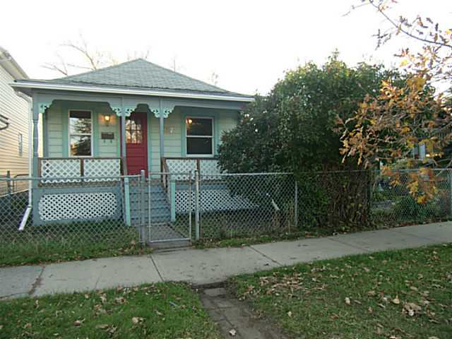Main Photo: 2207 16 Street SE in Calgary: Inglewood Residential Detached Single Family for sale : MLS(r) # C3638856