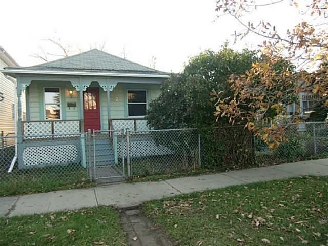Photo 2: 2207 16 Street SE in Calgary: Inglewood Residential Detached Single Family for sale : MLS(r) # C3638856