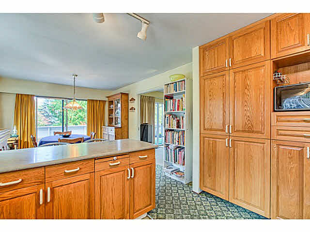 "Photo 12: 4805 2 Avenue in Tsawwassen: Pebble Hill House for sale in ""PEBBLE HILL"" : MLS® # V1143473"