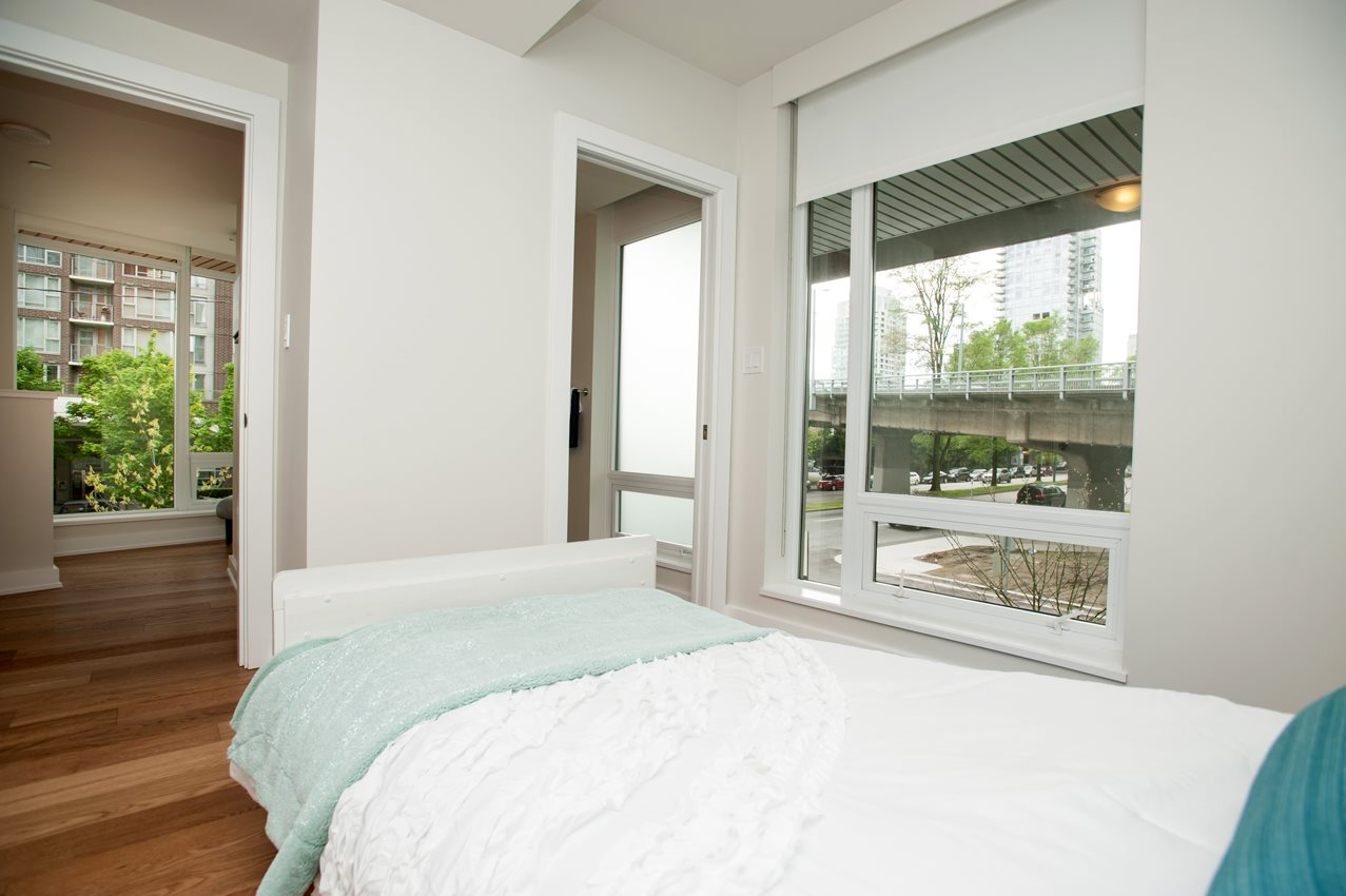 "Photo 7: 1394 SEYMOUR Street in Vancouver: Downtown VW Townhouse for sale in ""THE MARK"" (Vancouver West)  : MLS® # R2009599"