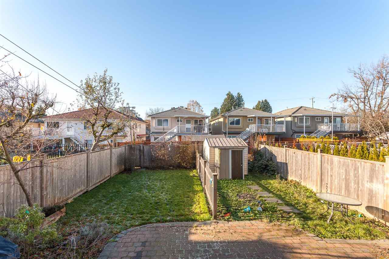 "Photo 17: 3993 WELWYN Street in Vancouver: Victoria VE House 1/2 Duplex for sale in ""CEDAR COTTAGE"" (Vancouver East)  : MLS(r) # R2018034"