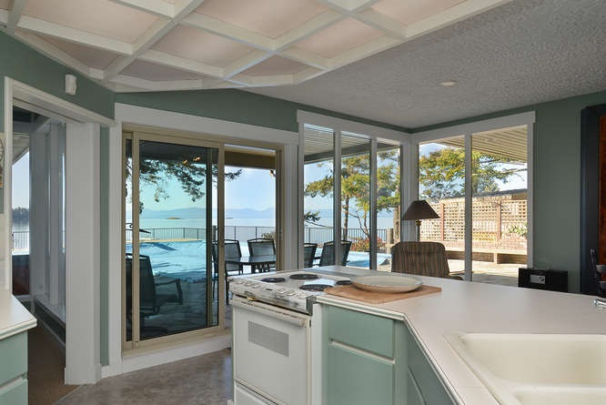 Photo 12: Photos: 6751 SEAVIEW Lane in Sechelt: Sechelt District House for sale (Sunshine Coast)  : MLS® # R2069845