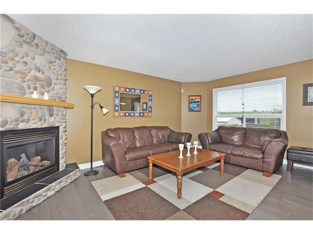 Photo 5: 145 CRYSTAL SHORES Grove: Okotoks House for sale : MLS® # C4077606