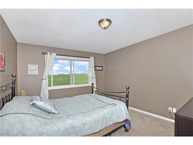 Photo 14: 145 CRYSTAL SHORES Grove: Okotoks House for sale : MLS® # C4077606