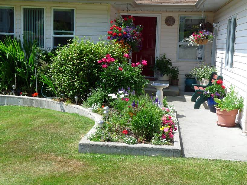 Photo 2: Photos: 4945 ARBUTUS Road in Sechelt: Sechelt District House for sale (Sunshine Coast)  : MLS®# R2135958