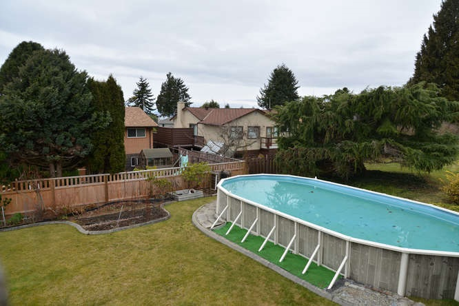 Photo 4: Photos: 4945 ARBUTUS Road in Sechelt: Sechelt District House for sale (Sunshine Coast)  : MLS®# R2135958