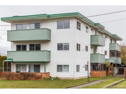 Main Photo: 2 1390 Esquimalt Road in VICTORIA: Es Esquimalt Condo Apartment for sale (Esquimalt)  : MLS® # 375115