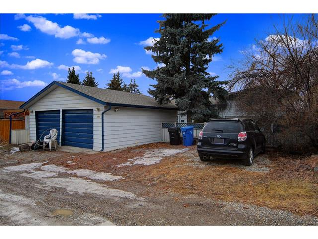 Photo 3: 7944 HUNTWICK Hill(S) NE in Calgary: Huntington Hills House for sale : MLS(r) # C4106885