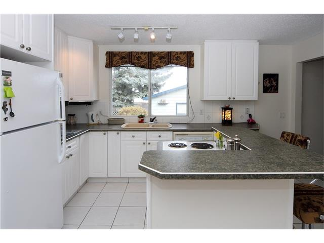 Photo 11: 7944 HUNTWICK Hill(S) NE in Calgary: Huntington Hills House for sale : MLS(r) # C4106885