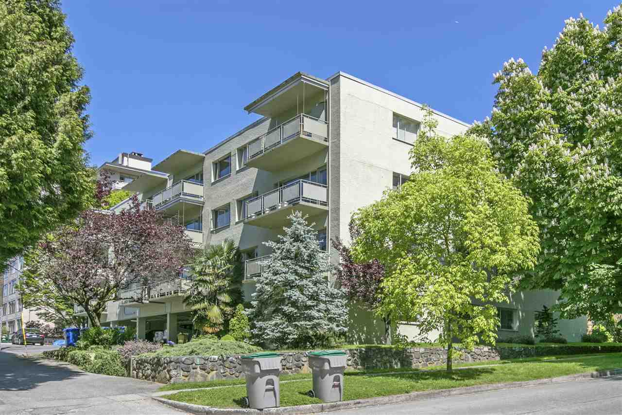 "Main Photo: 108 5475 VINE Street in Vancouver: Kerrisdale Condo for sale in ""VINECREST MANOR"" (Vancouver West)  : MLS(r) # R2170398"
