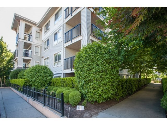 Photo 2: D110 8929 202 Street in Langley: Walnut Grove Condo for sale : MLS® # R2194862