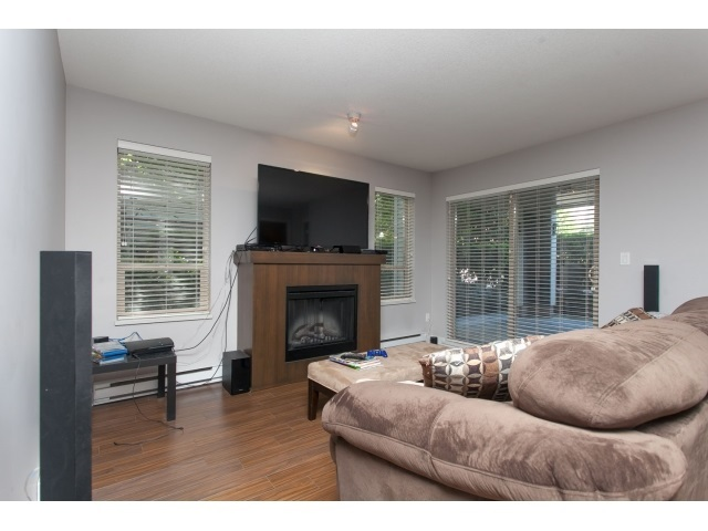 Photo 8: D110 8929 202 Street in Langley: Walnut Grove Condo for sale : MLS® # R2194862
