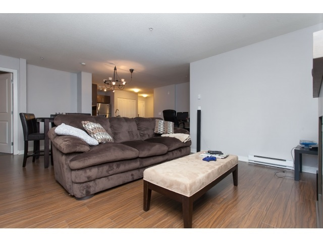 Photo 9: D110 8929 202 Street in Langley: Walnut Grove Condo for sale : MLS® # R2194862