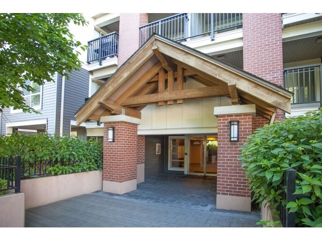 Main Photo: D110 8929 202 Street in Langley: Walnut Grove Condo for sale : MLS® # R2194862